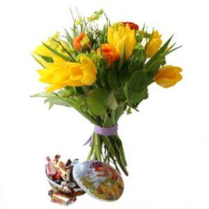 Påskbukett och påskägg med godis. Skicka med bud från Florister i Sverige!