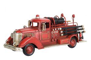 Brandbilsmodell i retrostil. Finns hos Sakligheter.